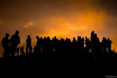 Silhuetas (tiago.ibitipocamg) Tags: tiago ibitipoca silhuetas pessoas people sunrise sun sol natureza golden hour