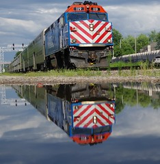 metra790 (Fan-T) Tags: metra commuter train emd f40 reflection napefville illinois bnsf racetrack dihydrogen monoxide