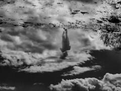 Tout à l'envers (photosgabrielle) Tags: people gens parapluie umbrella noiretblanc noirblanc nature nuages clouds cloudscape sky outdoor blackwhite bwphotography photosgabrielle