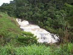 BR-482 entre Carangola e Alvorada (Sylvio Bazote) Tags: br482 carangola alvorada estrada rodovia minasgerais mg cachoeira cachoeiradoboi diversão turismo lazer natureza