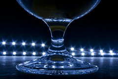 Glass (carlosjelvez) Tags: glass vidrio copa gin gintonic luces reflejos goblet cup