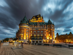 The iconic Chateau Frontenac / Quebec 2017 (zilverbat.) Tags: canada longexposurebynight longexposure avondfotografie availablelight nightshot visit nightphotography nightlights architecture zilverbat image innercity canon city travel timelife tripadvisor trip boulevard castle clouds heritage urban wallpaper world postcard nightimage night dusk iconic quebec 2017 chateaufrontenac cityscape
