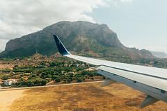 Approach (Nicola Pezzoli) Tags: italia italy sicilia sea seaside mediterraneo mare summer isola island mediterranean palermo punta raisi airport aeroporto atterraggio landing airplane boeing 737 plane aereo