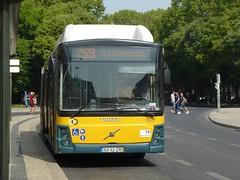 Carris 1833 (Elad283) Tags: lisboa lisbon portugal carris 5032zr 1833 volvo volvobus b10l cng camo grandecitadino