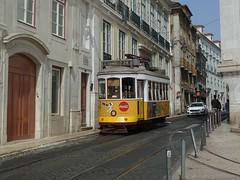 Carris 563 (Elad283) Tags: lisboa lisbon portugal carris elétricosdelisboa lisbontram tram tram28 remodelado 563 yellow