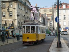Carris 542 (Elad283) Tags: lisboa lisbon portugal carris elétricosdelisboa tram tram28 lisbontram 542 remodelado yellow