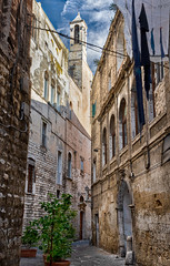 The streets of Bari (Leaning Ladder) Tags: bari italy italia puglia apulia buildings canon 7dmkii leaning ladder leaningladder 7d mkii