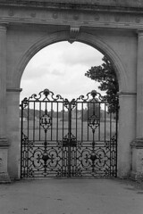 Gated (DH73.) Tags: pytchley gates overstone hall northamptonshire minolta dynax 600si classic 3570mm f4 zoom ilford hp5 ilfosol 3