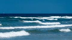 atlantic ocean (ToDoe) Tags: ocean blue sea meer waves blu atlantic blau wellen atlantik ozean gischt schaumkornen boat sailing horizont segel segelboot segeln horizon