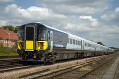 442409 & 442423 (David Blandford photography) Tags: 442409 442423 eastleigheastyard ecs empty coaching stock third rail emu
