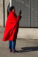 La prêtresse (lesphotosdepatrick) Tags: prêtresse prédicateur secte rouge fujifilm fujifilmeu fujixlovers x100f nîmes lesvisagesdelagglo nimestourisme