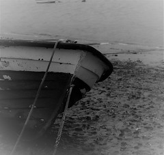 Beached.. (Julie Rutherford1 ( off/on )) Tags: boat orford black white julie rutherford estuary water sea mud rope canon eos 600d nautical bow