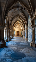 _DS16878 - The Porto Cathedral Cloister (AlexDROP) Tags: 2019 portugal porto europe art travel architecture color wideangle interior church nikond750 tamronaf1735mmf284diosda037 best iconic famous mustsee picturesque postcard geometry