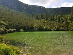 Lacul si culmea de deasupra lui
