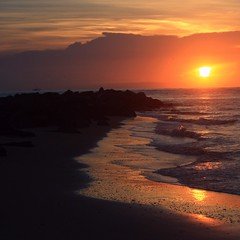 Wavetip-Light (PelicanPete) Tags: sunrise vilanobeach saintaugustine florida unitedstates usa castillodesanmarcos historic bridgeoflions history oldestcity independenceday nature beauty natural inlet saintaugustinelighthouse rocks boulders jetty summer2019 7619 summersunrise dawn turtle nest tracks turtletracksunrise vivid treasurecoast firstlight stjohnscounty scape emergingday boats horizon dramatic seascapebeauty landscape color surffishing waves strong sunlight wavetopshine through wavetip surf line