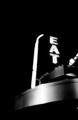 EAT (lucas.dul2) Tags: ilfordhp5 l35af nikononetouch