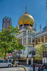 Sultan Mosque in Arab Street area of Singapore (UweBKK (α 77 on )) Tags: sultan mosque masjid religion religious muslim islam building house architecture arab street area singapore southeast asia sony alpha 77 slt dslr