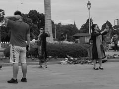 Selfie, Phnom Penh, Cambodge, juillet 2019. Selfie, Phnom Penh, Cambodia, July 2019. (vdareau) Tags: phnompenh photographiederue streetphotography blackandwhitephotography photographienoiretblanc blackandwhite noiretblanc selfie cambodia cambodge asiedusudest southeastasia asia asie