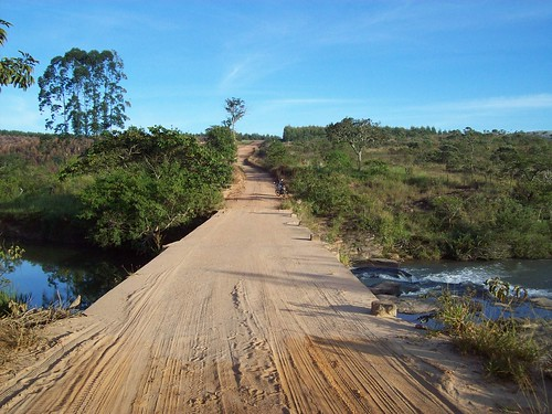 Estrada entre Carrancas e Traituba