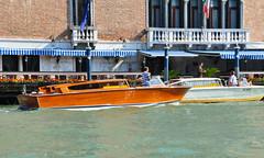 Venezia (baffalie) Tags: venice sea mer lagune boat mare laguna bateau venise italie canal grand gondolier gondole