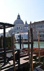 Venezia (baffalie) Tags: venise venice italie mer mare sea bateau boat laguna lagune gondole gondolier canal grand