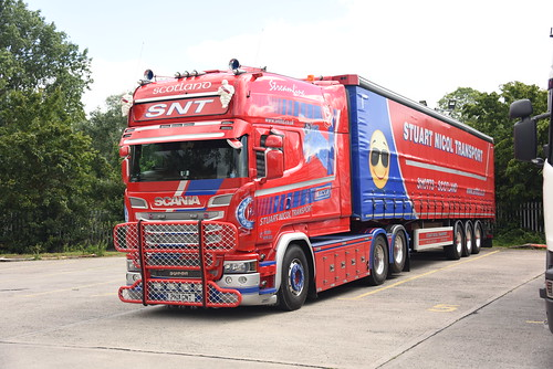 PH11 SNT SCANIA LONGLINE R580 V8 of STUART NICOL TRANSPORT