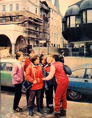 DDR Jugendliche in Ost-Berlin,DDR Jugend,DDR Kinder (SchlangenTiger) Tags: ostberlin ddrjugend fdj ddrkinder ddrmädchen ddrberlin gdr ddrpioniere thälmannpioniere