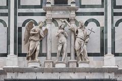 2019/02/26 12h58 frontispice du baptistère Saint Jean, piazza del Duomo, Florence (Valéry Hugotte) Tags: 24105 battisterodisangiovanni christ firenze florence italia italie italy piazzadelduomo canon canon5d canon5dmarkiv sculpture statue