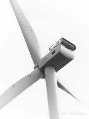 M2031822 silver E-M1ii 40mm iso200 f5.6 1_800s 0.7 (Mel Stephens) Tags: 20190803 201908 2019 q3 3x4 tall olympus mzuiko mft microfourthirds m43 40150mm omd em1ii ii mirrorless gps bw black white silver efex coast coastal uk scotland aberdeen structure wind turbine turbines offshore power