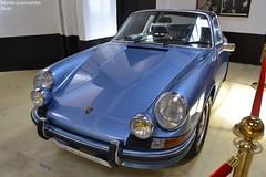 Porsche 911 2,4S Targa 1972 (Monde-Auto Passion Photos) Tags: voiture vehicule auto automobile porsche 911 targa bleu blue ancienne classique rare rareté collection sportive vente enchère osenat france fontainebleau