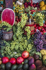 Fruits (Nunzio Pascale) Tags: fruit frutta ortofrutticola grapes uva cocomero anguria mango kiwi torchio estate2019