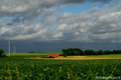 The little house - In the moving car (hobbyphoto18) Tags: paysage landscape campagne countryside nordpasdecalais hautsdefrance france inthemovingcar inthecar pentaxk50 pentax k50 nuage nuageux cloud cloudy house maison habitation