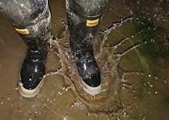 Splash! (essex_mud_explorer) Tags: bullseyehood rubber boots thighboots thighwaders hip waders watstiefel cuissardes gummistiefel rubberlaarzen bottes caoutchouc stivali puddlesplashing splashing splash fun