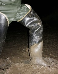 Fun (essex_mud_explorer) Tags: bullseyehood rubber boots thighboots thighwaders hip waders watstiefel cuissardes gummistiefel rubberlaarzen bottes caoutchouc stivali mud muddy mudflats creek estuary tidal saltmarsh