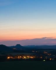 Wenn die Nacht einbricht (Naturportal) Tags: panasonic dmcgx8 olympus m45mm f18 sachsen elbsandsteingebirge saxony gebirge mountain
