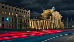 City lights (Sabine.R) Tags: brandenburggate berlin brandenburgertor