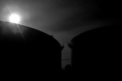 Exil Tampico (arielramos270) Tags: hot design nikon noir blackandwhite mexico tampico exil tamaulipas tank house sky cloud nube blanco y negro cielo sun shadow sunrise sunlight melaza