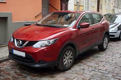 2013 Nissan Qashqai Visia Front (Joachim_Hofmann) Tags: auto kraftfahrzeug kfz verbrennungsmotor japanischesauto nissanqashqai nissan qashqai suv