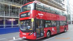 P1170220 BDE2626 LJ19 CUY at Moorgate Station Moorgate London (LJ61 GXN (was LK60 HPJ)) Tags: metroline byd enviro400evcity enviro400ev enviro400city e400ev electric 109m 10900mm bde2626 lj19cuy j4281