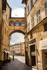 Citta di Castello (Geert Van Keymolen) Tags: 2018 cittadicastello d5200 europa europe italië italy nikon toscane tuscany cityview color dag day kleur outdoor stadszicht streetview summer zomer perugia