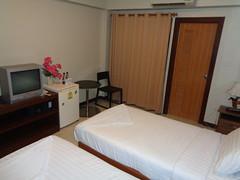 DSC02807 (bigboy2535) Tags: silver gold garden suvarnabhumi airport hotel wado karate federation wkf hua hin thailand bangkok armando 2019