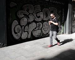 Shadowman (Bury Gardener) Tags: barcelona catalonia spain europe 2019 folks fuji fujixt3 fujifilm streetphotography street streetcandids snaps strangers candid candids people peoplewatching