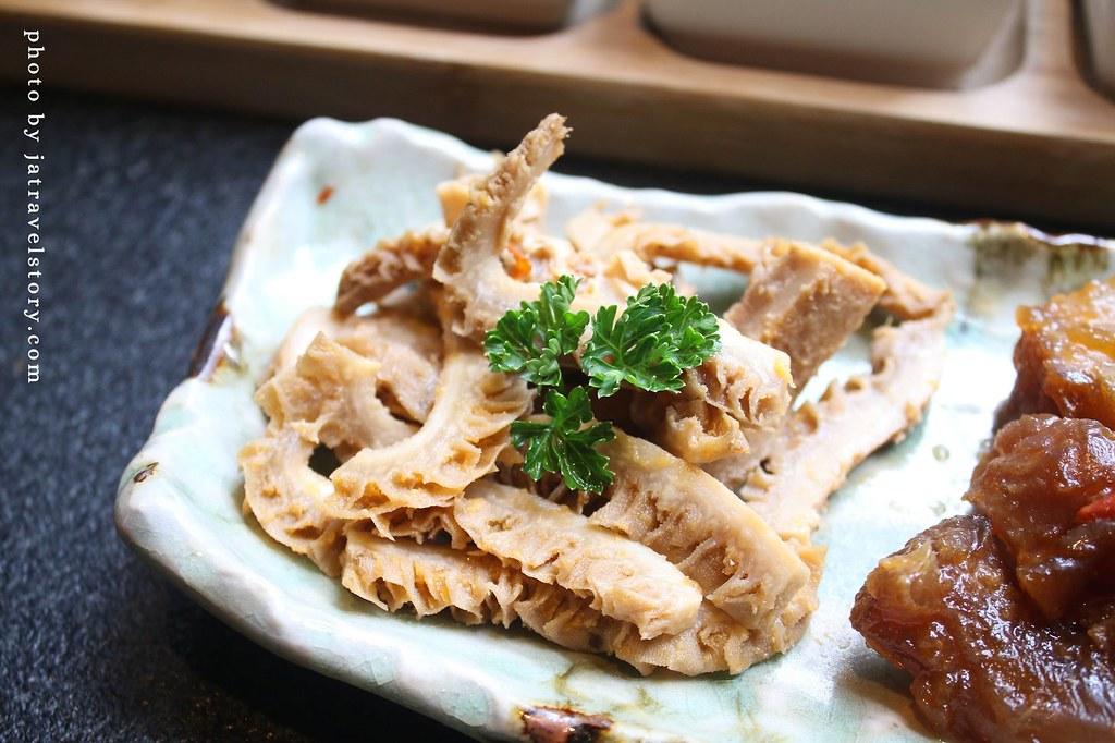 昭日堂鍋煮 330元就有自助吧吃到飽,多種熟食.蔬菜.飲料冰品任你吃!【台中南屯美食】 @J&A的旅行