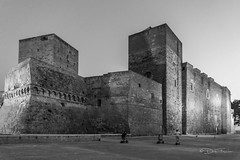 Castello Svevo di Bari (dirkfischer2) Tags: landscape italien bari puglia italy friedrichii castellosvevodibari blackandwhite stauferkaiser staufer