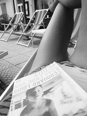Sunday morning selfie (heleconia) Tags: sunday blackwhite schwarzweis vertikal apartofme selfie book
