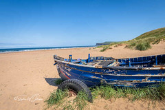SJ1_9092 - Boat at Marske sands (SWJuk) Tags: redcar england unitedkingdom swjuk uk gb britain yorkshire northyorkshire marskebythesea saltburnbythesea beach sands huntcliff boat oldboat sanddunes bluesky sea seaside seascape coast coastal horizon 2019 jul2019 summer holidays nikon d7200 nikond7200 nikkor1755mmf28 rawnef lightroomclassiccc