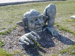 St.Peter Ording Dorf  _ ein außerirdischer Besucher ? (mirihi1996) Tags: kurios gruselig auserirdisch besucher