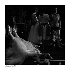 En coulisses / in the backstage (stephane_p) Tags: pentax backstage blackandwhite bw carré coulisses dance danse darktable monochrome monotone nb noiretblanc square poetry