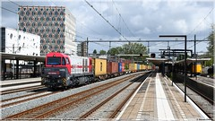 IRP 2102 | Gouda | 04-05-2019 (DDZ 7504) Tags: vossloh mak g2000 g2000bb smalbek irp independentrailpartner pinkpanther atld htfs happytrainfleetservices 50419 containertrein 2102 rail2u 1001039 alphatrains rotterdam kijfhoek 04052019 msc gouda station stroopwafel coevorden coevordeneuroterminal