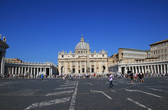 St. Peter's Square, Vatican City. 梵蒂岡聖彼得廣場 (W. Wilson Chen) Tags: st peters square vatican city 梵蒂岡 聖彼得廣場 rome italy 羅馬